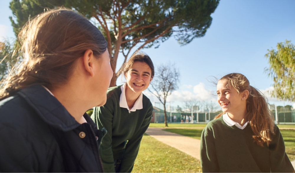 alumnas orvalle aprende a ser persona patio